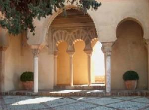 https://alpha.uhasselt.be/~gjb/photography/Andalucia/slides/alcazaba-2.jpg