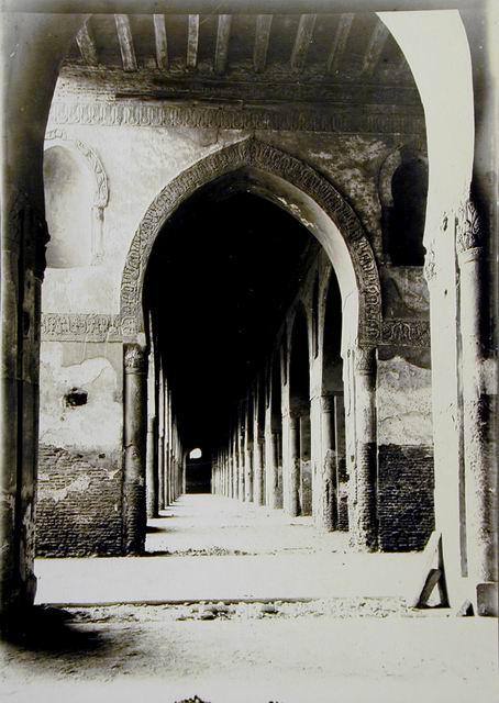 Figure 8: Ibn Tulun Mosque was a source for the transfer of the pointed arch to Europe. (Source).
