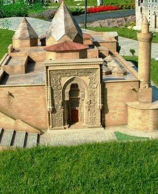 http://www.muslimheritage.com/uploads/figure_top4.JPG